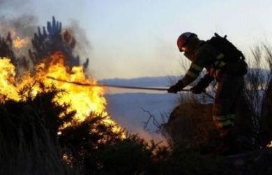Apagado o lume que queimou 20 hectáreas de monte do Parque Natural Baixa Limia-Serra do Xurés