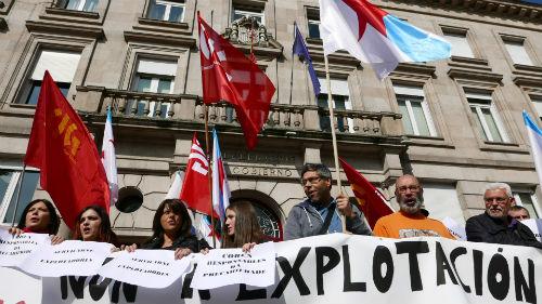 """Traballadores de Servicarne retoman as protestas contra Coren ao grito de """"¡explotadores!"""""""