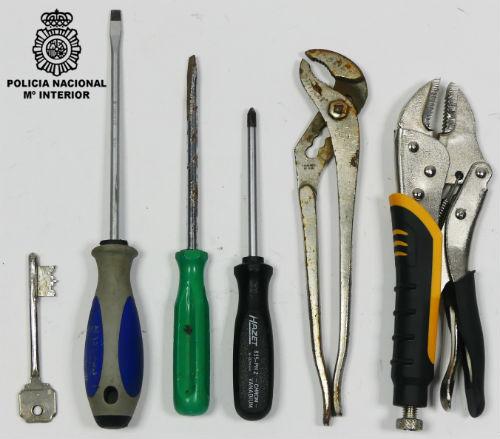 @policia arresta a tres individuos como autores de un robo en la rúa Valladolid de Vigo