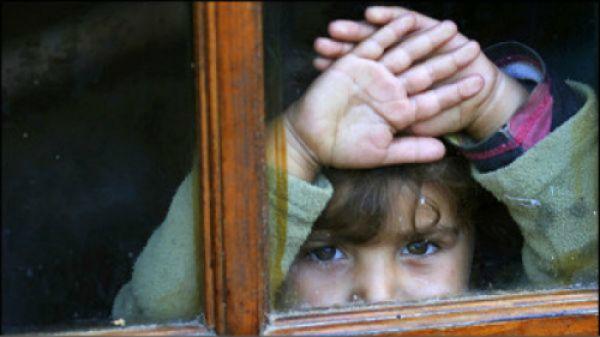 España es, solo por delante de Rumanía y Grecia, el país con la tasa más alta de pobreza infantil de la UE: el 40%