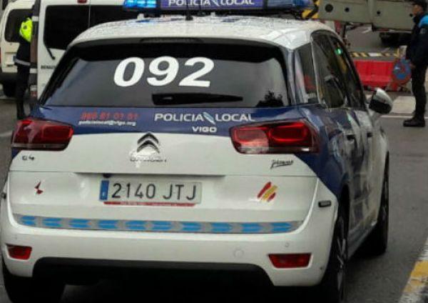 Detenido en Vigo por causar daños a varios coches y romper el cristal de un edificio en Martín Echegaray