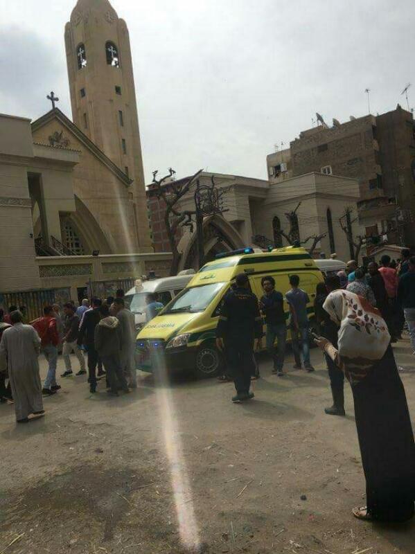 Al menos, 21 muertos en un atentado con bomba en una iglesia copta al norte de El Cairo