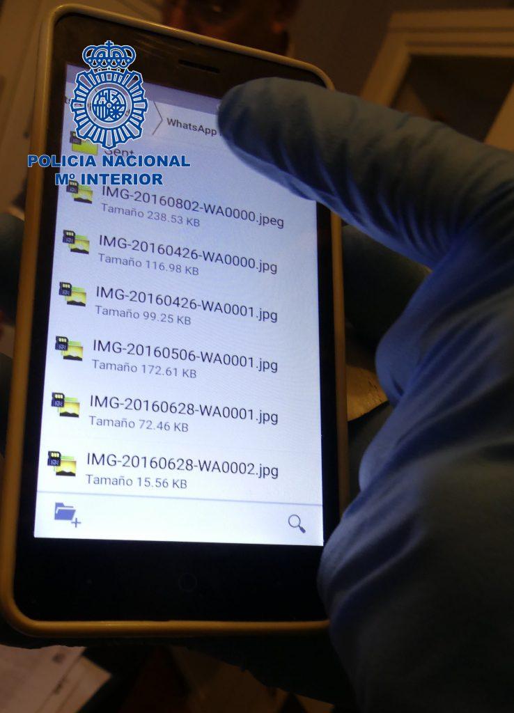 @policia desmantela la mayor red internacional de distribución de pornografía infantil a través de WhatsApp