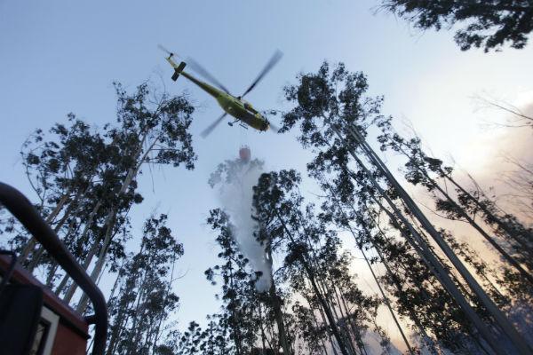 Activo un incendio en Lobios que ya ha arrasado más de 100 hectáreas