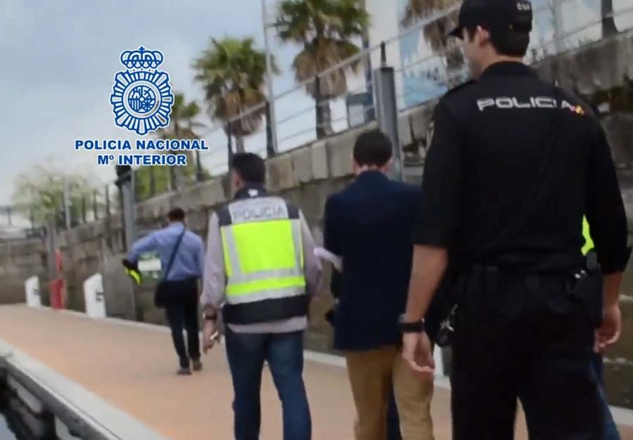@Policia detiene en Vigo a un sujeto de 40 años por acosar sexualmente a 15 jóvenes de entre 14 y 15 años de edad