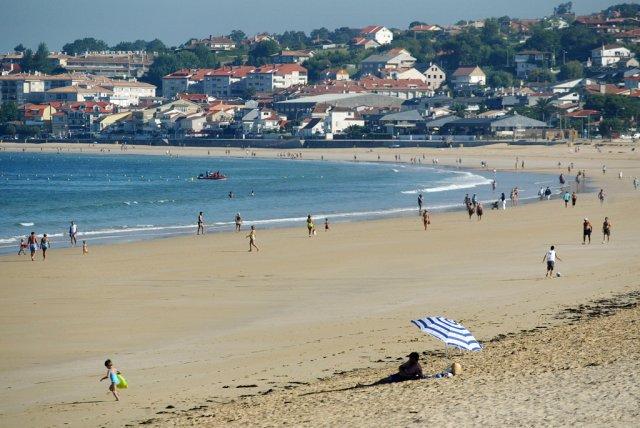 @ConcelloNigran remata a limpeza das praias de cara á Semana Santa na que haberá un 80% de ocupación hoteleira