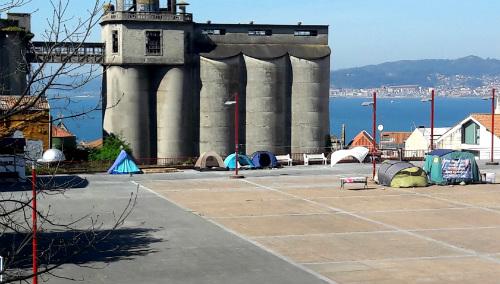 Convocan una protesta el lunes, delante del Concello para denunciar que la pobreza afecta a 50.000 personas en Vigo