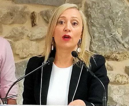 @elenamunozf rectifica y se distancia de la Xunta en la candidatura de Cíes a Patrimonio de la Humanidad