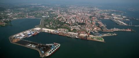 Recuperan el cadáver de una persona en el puerto de Ferrol