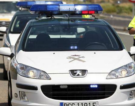 Interceptado un vehículo conducido por un hombre de 83 años de edad que circulaba en sentido contrario por la AP-9