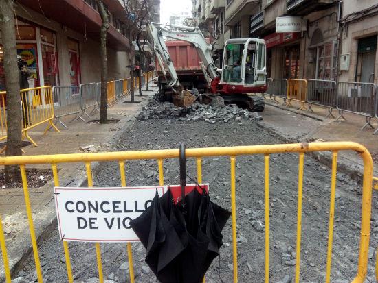 @abelcaballero informou este luns de que o Concello ten en marcha ou tramitación obras por 55 millóns de euros