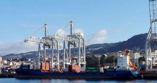 Acuerdo entre la patronal y los estibadores, que desconvocan la huelga en los puertos del Estado