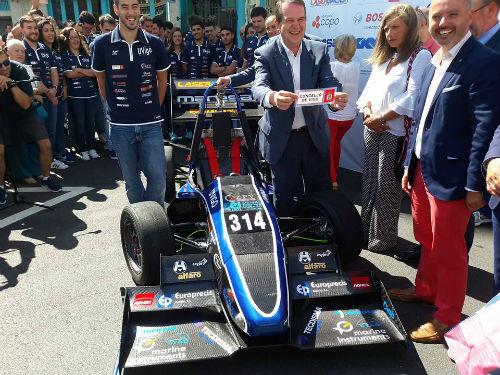 El UM17, el 'Fórmula 1 de Vigo', listo para sorprender en los circuitos europeos