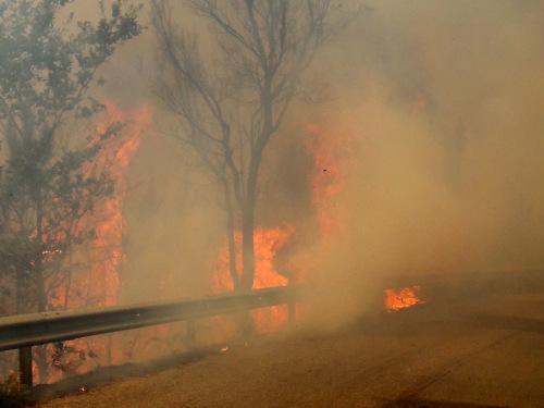 Outro lume, neste caso en Vilartín de Valdeorras, queimou xa máis de 20 hectáreas e aínda non está controlado
