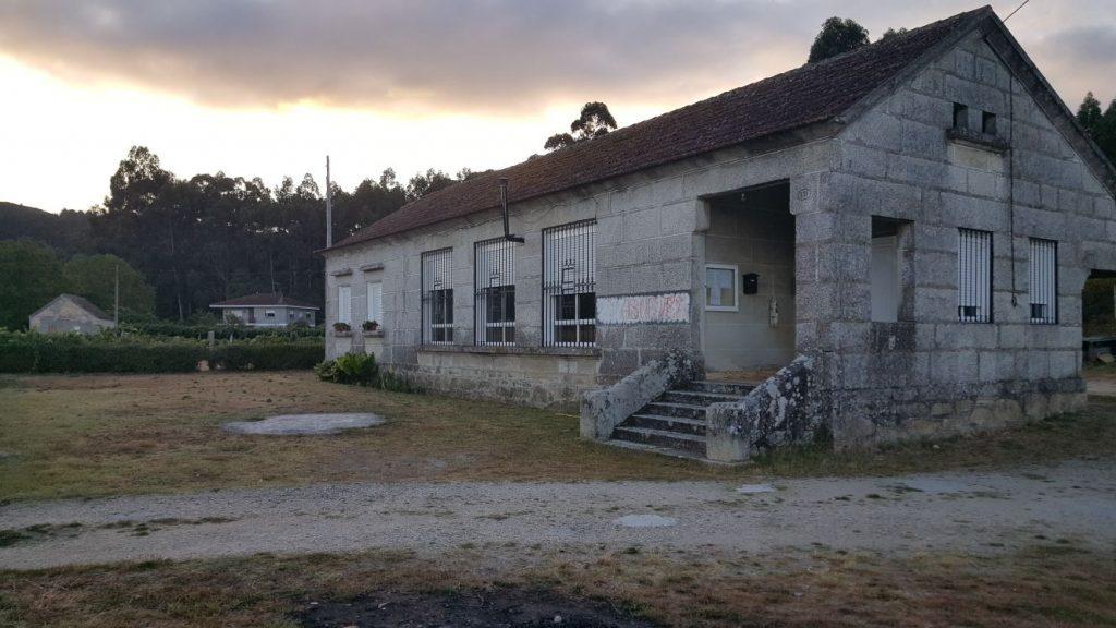 @AsNevesConcello mellorará as zonas deportivas nas Escolas de Liñares e da Chán en Tortoreos