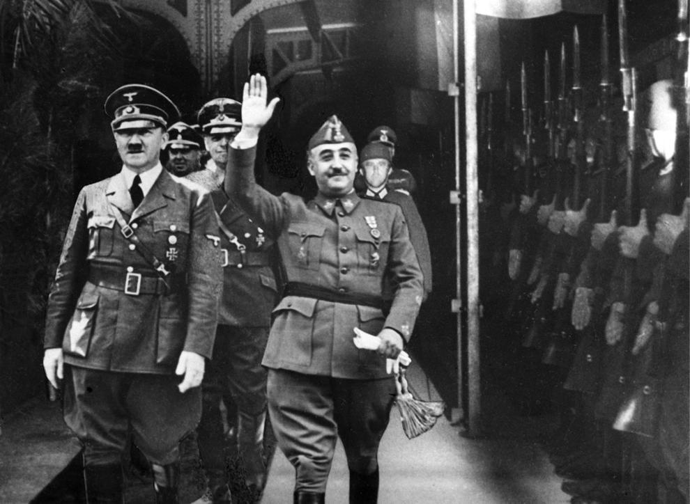 100.300 personas han firmado ya para que se ilegalice la Fundación Francisco Franco