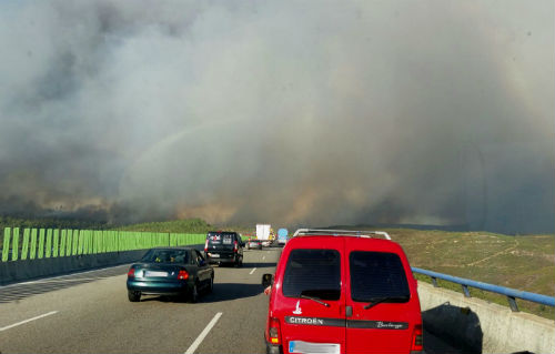 Medio Rural declara a 'Situación 2' no lume activo en Verín pola proximidade das lapas ás casas de Queirugás