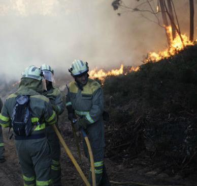 Apagado o lume de Pantón, descontrolado o de Laza e ainda activo o de Verín, con máis de 1.700 hectareas queimadas en total
