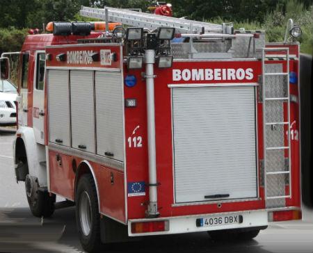 Un home de 67 anos de idade morre nun incendio na súa casa do concello de O Irixo