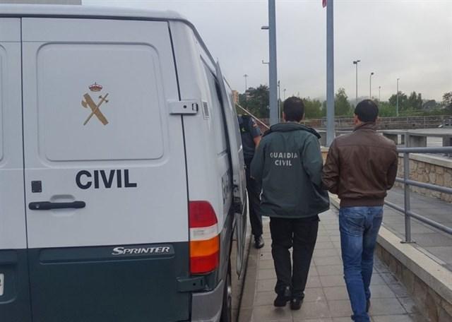 @guardiacivil detiene al presunto autor de 16 incendios en Pontevera y A Coruña e investigado por otros 180 más