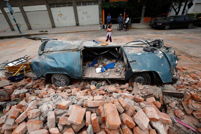 Ya son 90 los muertos causados por el terremoto que sacudió México el jueves