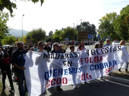 Persoal de Maderas Iglesias sae á rúa para reclamar os salarios pendentes