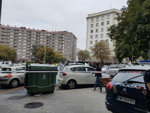 Un hombre de 67 años aparece muerto en un coche en la Praza da Industria