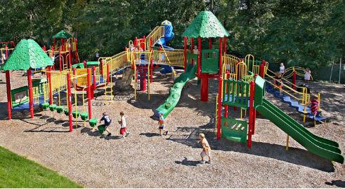 O Concello prevé un orzamento de 3,3 millóns en 7 parques infantís que estarán rematados a finais de 2018