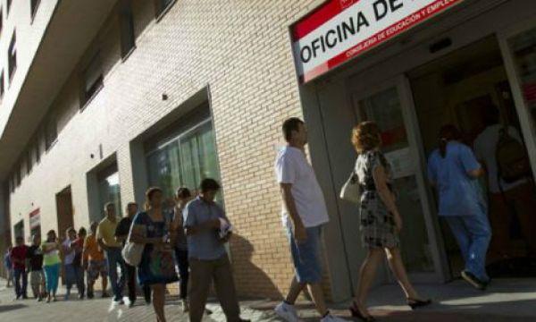 1.593.100 parados llevan más de 2 años sin trabajar, en el caso de mayores de 45 años, el 54,4% de ellos