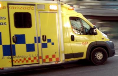 Herida en Vigo tras chocar la moto que pilotaba contra un autobús