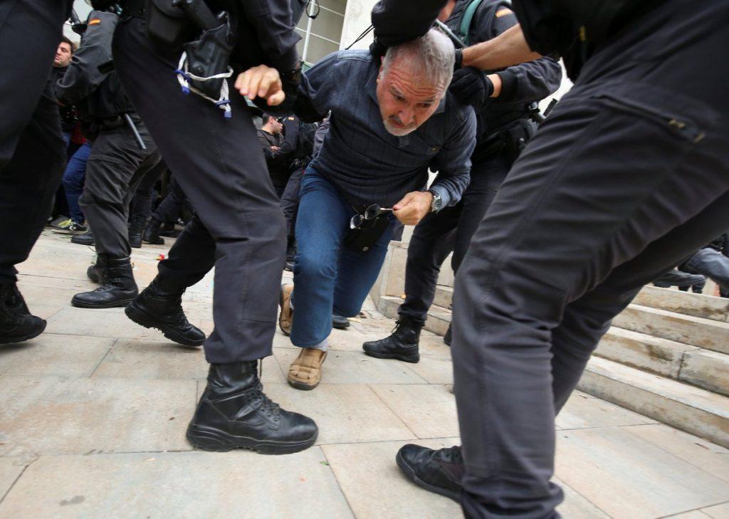 """#1OCT La Generalitat informa de que 38 personas han resultado heridas durante las """"cargas policiales"""" de este domingo"""