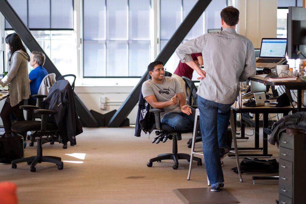 O luns ábrese o prazo para a convocatoria de axudas a prácticas non laborais en empresas para persoas de entre 18 e 30 anos