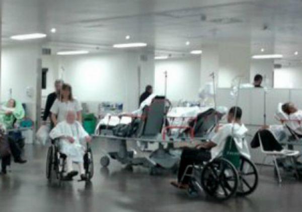Horas de espera en Urgencias del Cunqueiro y pacientes pendientes de ingreso obligan a abrir camas en el Meixoeiro