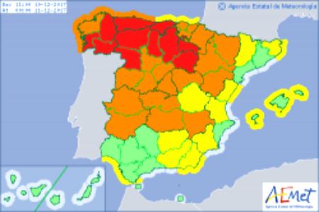 Nivel de aviso rojo, riesgo extremo, en las Rías Baixas por el paso este domingo de la borrasca 'Ana'