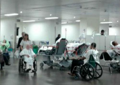 """@En_Marea alerta do """"colapso"""" das Urxencias dos hospitais de Galicia e critica a falla de previsión da Xunta"""