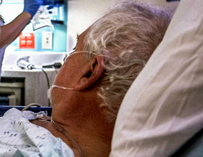 Os médicos alertan de que o pico da gripe aínda non chegou e denuncian que hai situacións de caos nos servizos de urxencias