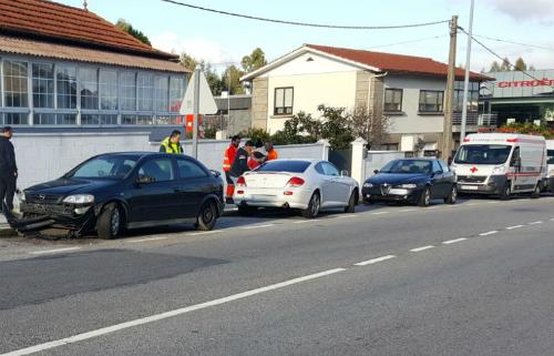 Un motorista herido de gravedad en un accidente en la carretera de Camposancos