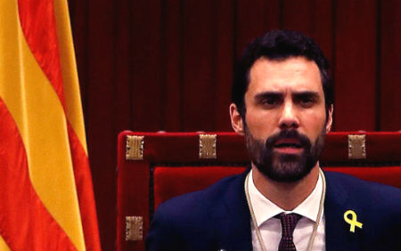 El presidente del Parlamento de Cataluña propone a Puigdemont como candidato a la Presidencia de la Generalitat