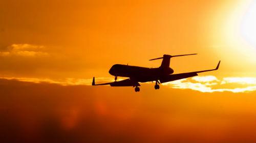 Peinador millonario de nuevo…en pasajeros
