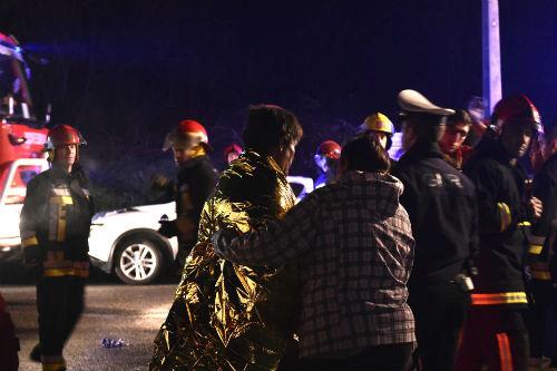 8 muertos y, al menos, 50 heridos en un incendio que se ha declarado en un local de la localidad portuguesa de Vila Nova da Rainha