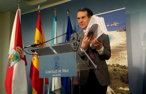 """""""772 análisis demuestran que el agua de Vigo es potable y la Xunta tiene cada uno de ellos"""""""