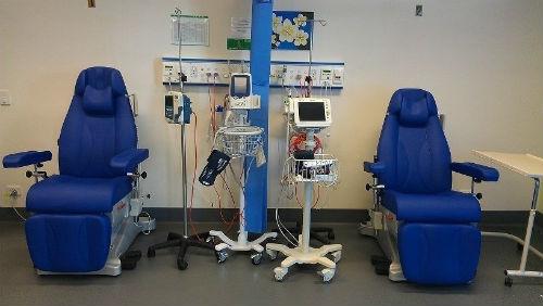 Sanidade compra 494 novos 'sillóns de tratamento' para servizos de oncoloxía, hematoloxía, reanimación e urxencias