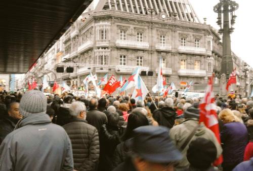 Milleiros de xubilados e pensionistas saen á rúa en Galicia para defender o sistema público de pensións