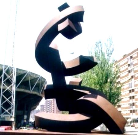 Abren una petición en change.org para que se devuelva a su lugar la escultura 'Unidad Abierta' que estaba situada en Balaídos