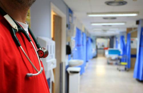 Mueren 23 personas más de gripe en Galicia en una semana y los fallecidos son ya 130