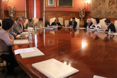 @depo_es aproba destinar 1,7 millóns a dez concellos da provincia para contratar a 200 persoas