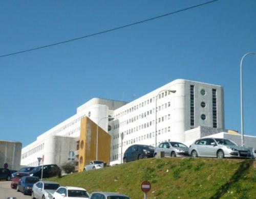 Contratación das obras para a mellora da cuberta e a fachada do Meixoeiro