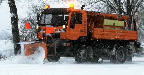 As brigadas de mantemento de estradas da Deputación de Pontevedra, en alerta por previsións de acumulación de neve nas vindeiras horas