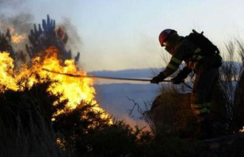 """Os axentes forestais que estiveron nos lumes que arrasaron Galicia en outubro denuncian que """"seguen sen cobrar un centimo da Xunta"""""""