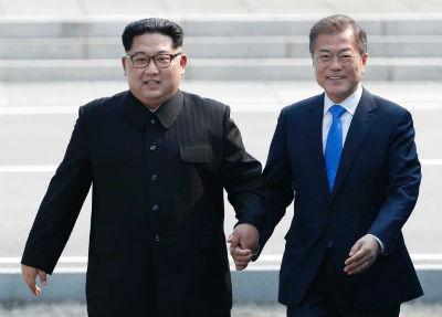 """Los presidentes de las dos Coreas acuerdan la """"completa desnuclearización"""" de la península"""